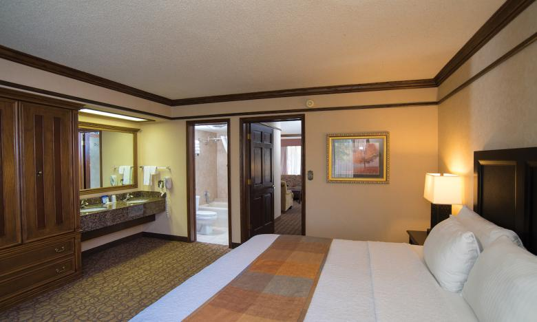 Book your room today and come enjoy the best of Arkansas.