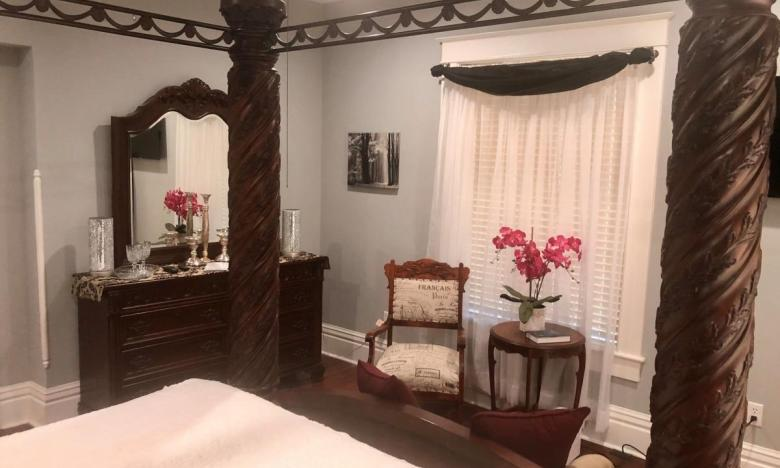 Relax at the Furr House Bed and Breakfast