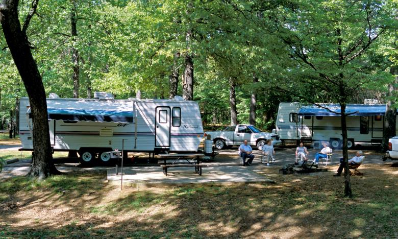 Bring your RV! Many well-kept campsites are available.