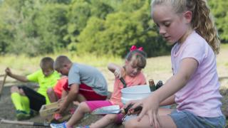 Children looking for diamonds at Crater of Diamonds
