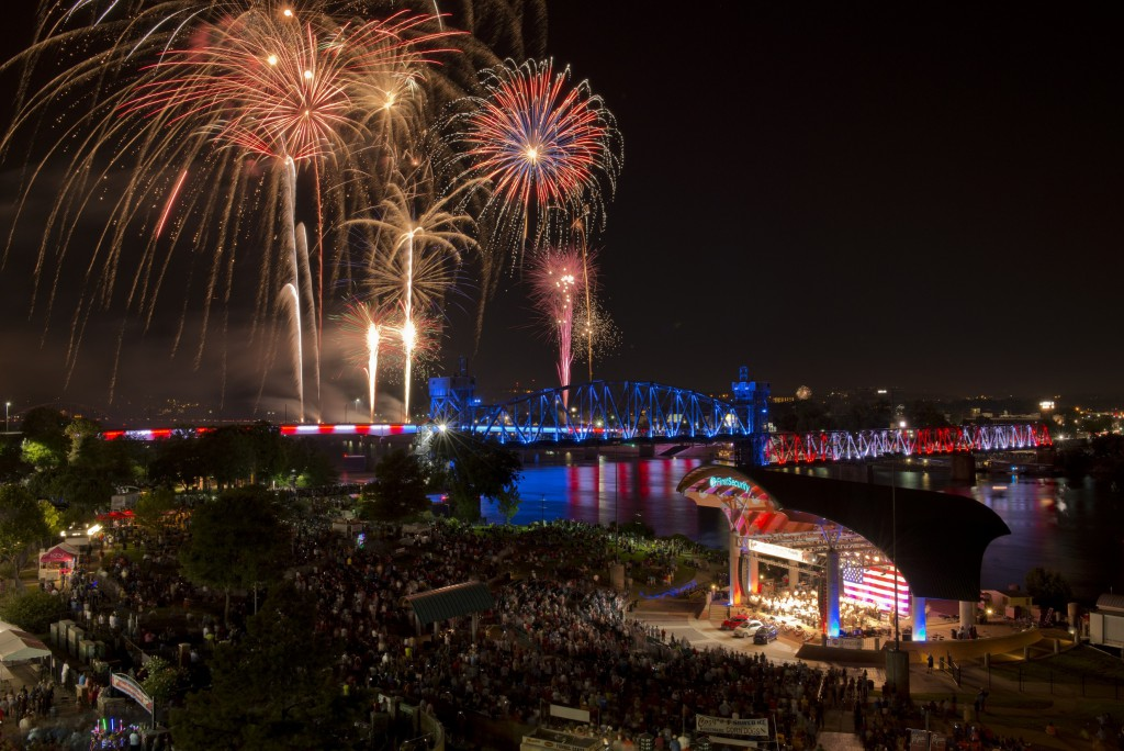 4th_Fireworks_Amphitheater_Bridge_Lights_Little_Rock_1143_1