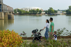 Riverfront_Park_Family_Skyline_Little_Rock_3605