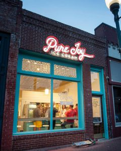 Siloam_Springs_Pure_Joy_downtown_storefront