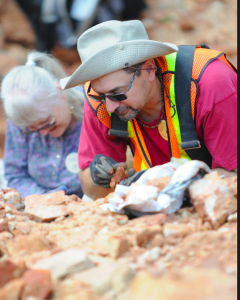 World Championship Crystal Dig in Mount Ida. Photo by Z. Clift.